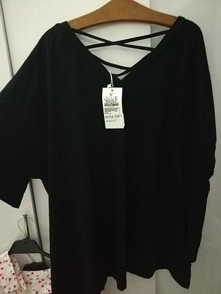 Diğer oversize sırt detaylı tshirt