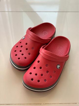 Bordo Crocs