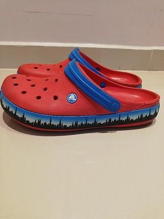 kırmızı crocs