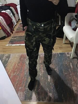 Kamuflaj desen pantolon