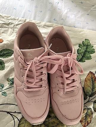 40 numara toz pembe spor ayakkabı