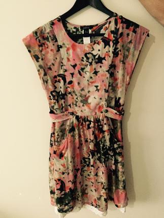 Çiçekli rahat günlük elbise