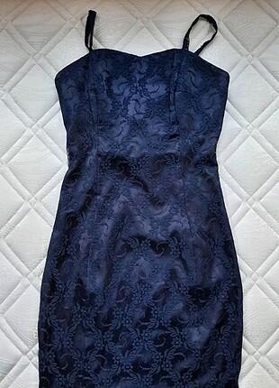 Küpürlü mini elbise
