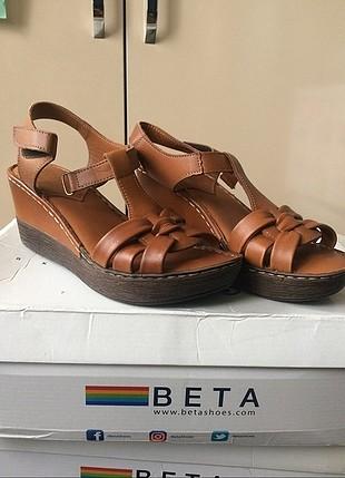 hiç kullanılmadı rahat platform topuklu sandalet