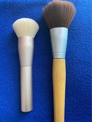 Makyaj fırçası