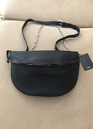 b2cd21f3819e2 Mango bel çantası şık zinciri ile normal çanta olarak kullanılab