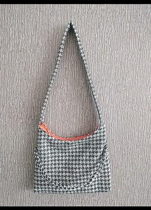 Kaz ayağı desenli kol çantası
