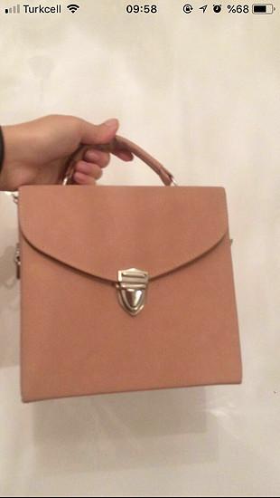 Pembe kutu çanta