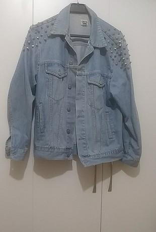 zımbalı kot ceket