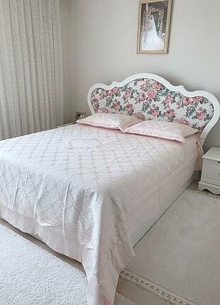 Çift kişilik yatak örtüsü