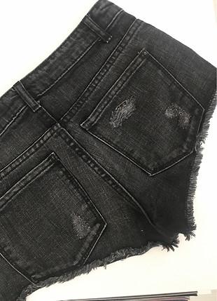 32 Beden siyah Renk Mango yırtık jean şort