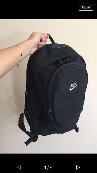 13b38ee7f0db4 Nike Sırt Çantası Nike Sırt Çantası %100 İndirimli - Gardrops