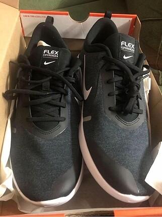 Nike büyük numara