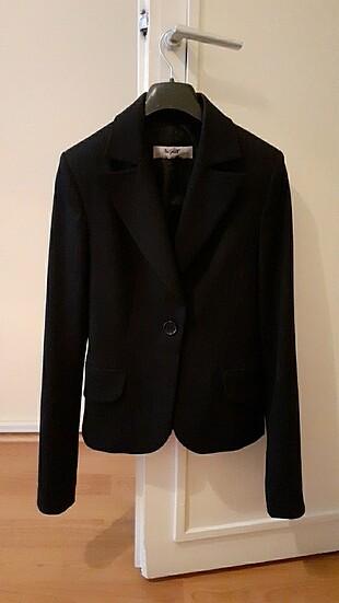 Siyah çizgili blazer ceket