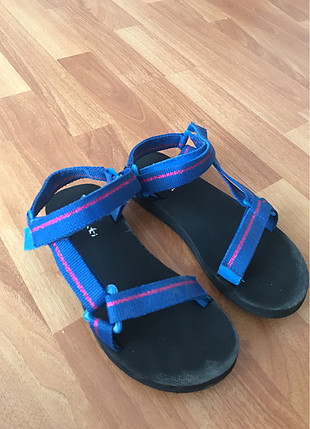 36 Beden lacivert Renk Penti sandalet