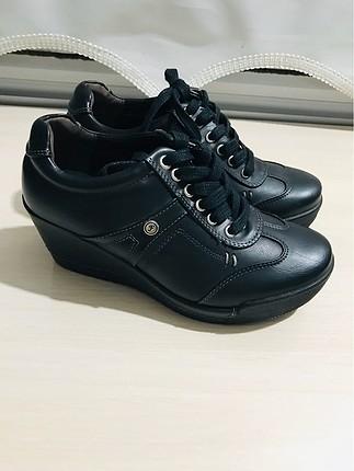 Sıfır Ayakkabı