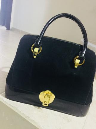 Kilitlenelir aynalı ve makyaj bölmeli çanta
