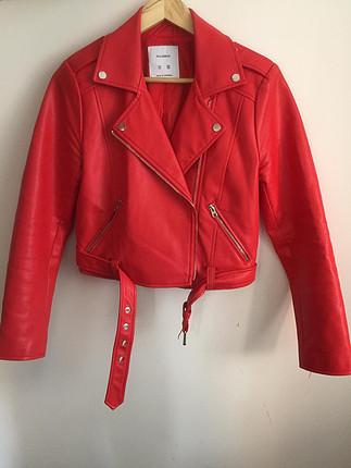 Pull&bear; kırmızı deri ceket