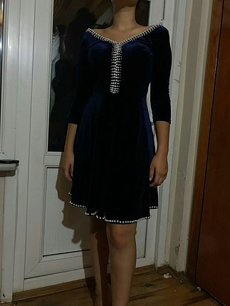 lacivert kadife incili elbise