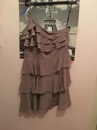 Fırfırlı elbise tek kollu