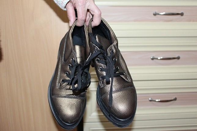 bronz renk ayakkabı