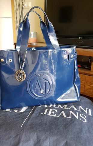 ec60ff3fcc57c Armani Plastik Çanta Armani Jeans Kol Çantası %88 İndirimli - Gardrops