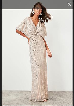 Işıltılı çok şık elbise sadece bir kere giyildi arka yırtmacı bi