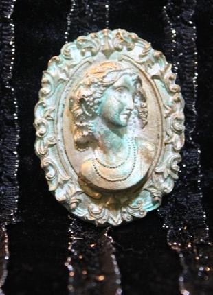 Antik Broş