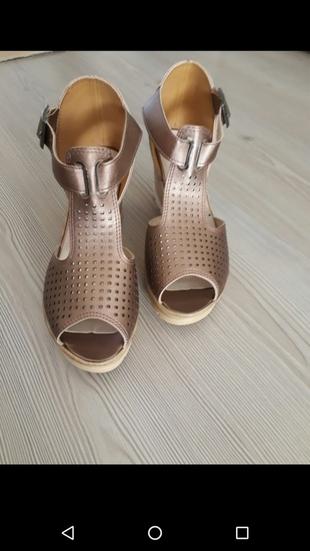 Yeni yazlık ayakkabı