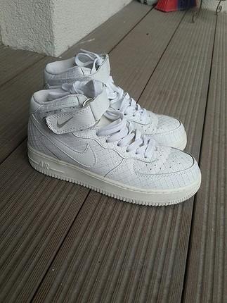 Nike Air, 3 defa giyilmiştir herhangi bir kusuru yoktur,Ayakkabı
