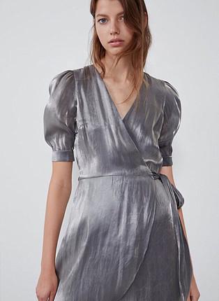 Metalik görünümlü elbise