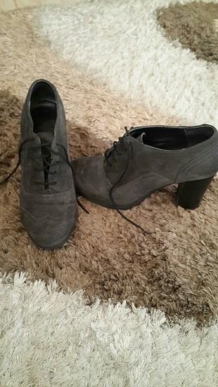 taş ayakkabı