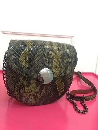 Haki yılan derili çanta