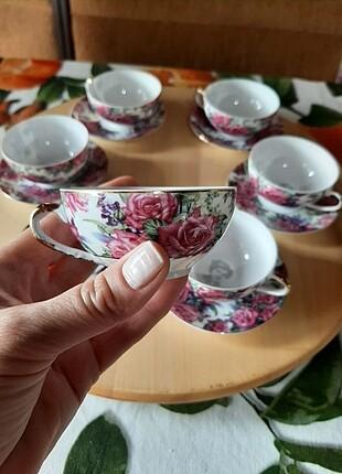 Ince porselen kahve fincanı