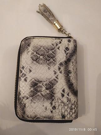 Zara yilan derisi görünümlü cüzdan