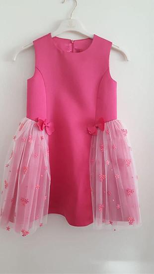 barbie marka etiketli elbise