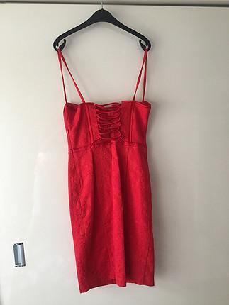 s Beden Kırmızı dantelli elbise