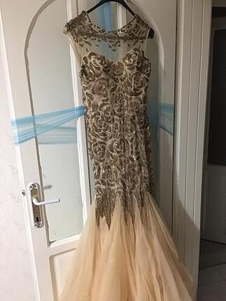 Ful taşlı nişan elbisesi.