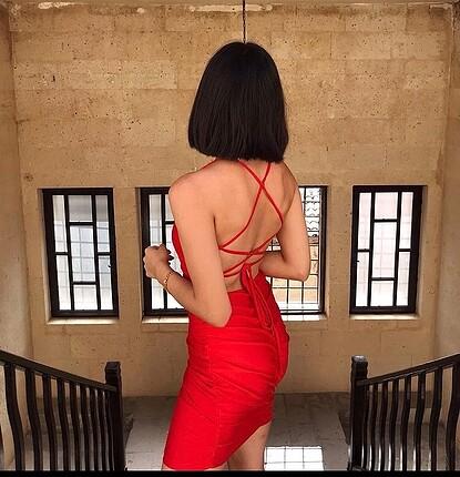Çapraz sırt dekolteli elbise