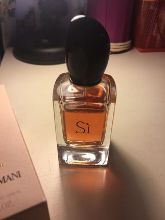 f08bcea06d2d0 Si Parfum Armani Parfüm %68 İndirimli - Gardrops