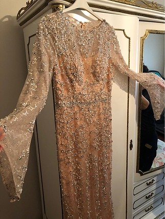 Gece elbisei