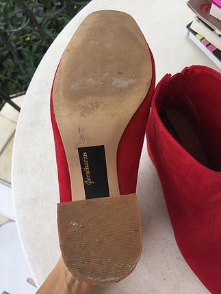 37 Beden Stradivarius kırmızı bot