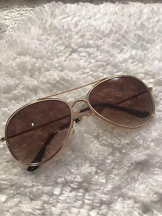 Kahverengi bayan güneş gözlüğü