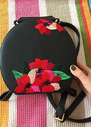 Zara Zara Yuvarlak Çiçek Desenli Çanta