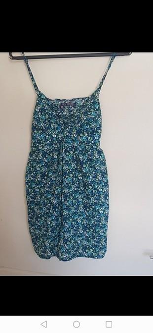 koton çiçekli mini elbise s beden dır sadcee 2 kez gıydım bu yaz