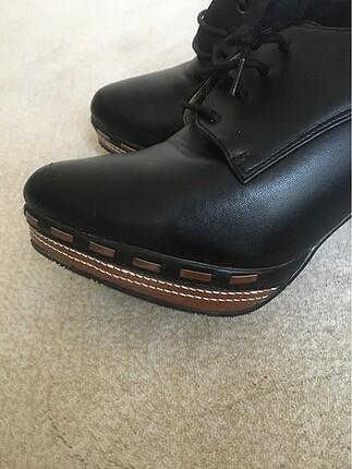 39 Beden Derimod topuklu ayakkabı