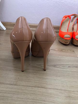 Prada topuklu ayakkabı