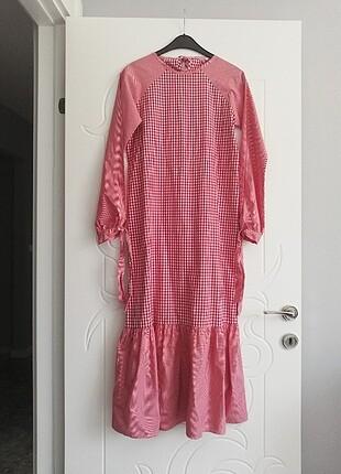 Pötikare kırmızı elbise