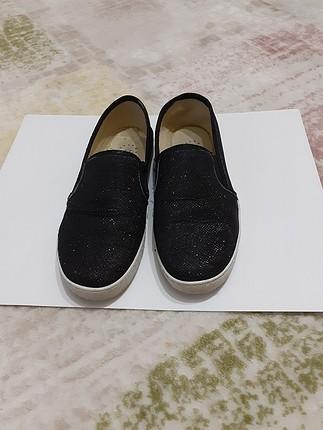 39 Numara Işıltılı Şık Ayakkabı