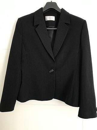Siyah kadın ceketi